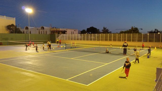 Club de tenis aguadulce/instalaciones