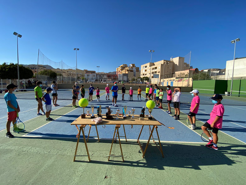 https://clubdetenisaguadulce.es/wp-content/uploads/2020/08/social-verano-20-2.jpg